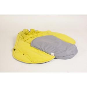 gaiši pelēks - dzeltens